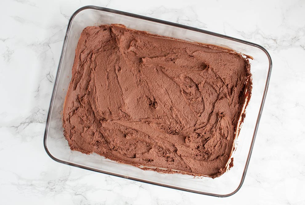 keto chocolate heaven spread in a glass pan