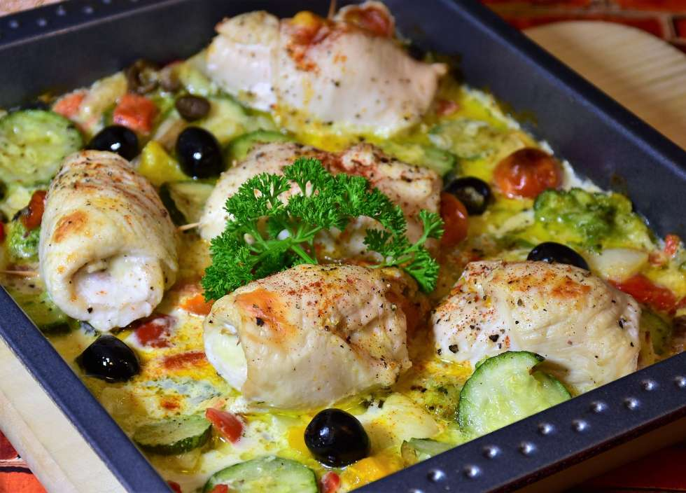 keto meal plan casserole dish with baked chicken in a low carb sauce