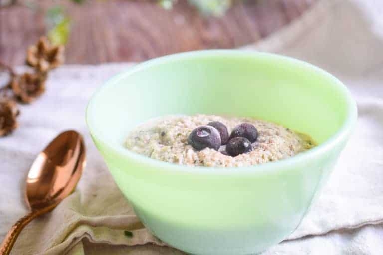 low carb breakfast without eggs with a green bowl containing noatmeal