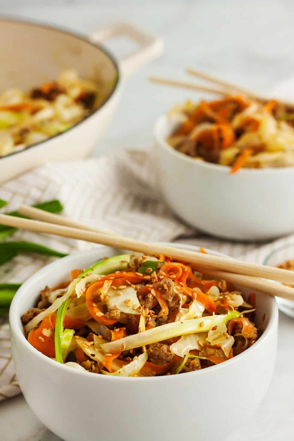 egg roll recipe in two serving bowls