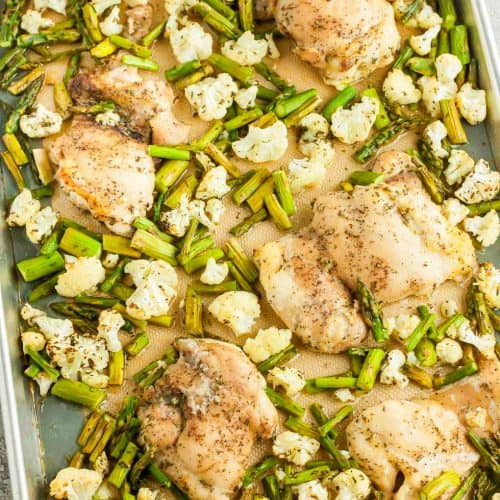overhead view of sheet pan containing keto rosemary chicken